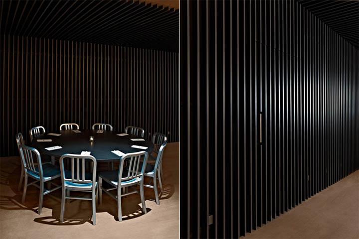 Bàn ghế được lựa chọn phù hợp với thiết kế nội thất quán cafe