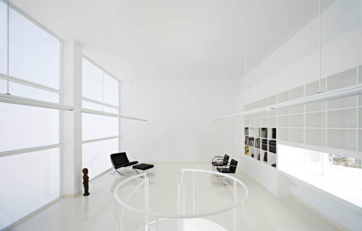 thiet-ke-noi-that-can-ho-moliner-house-01 Moliner House - Sự ảo diệu trong thiết kế nội thất căn hộ