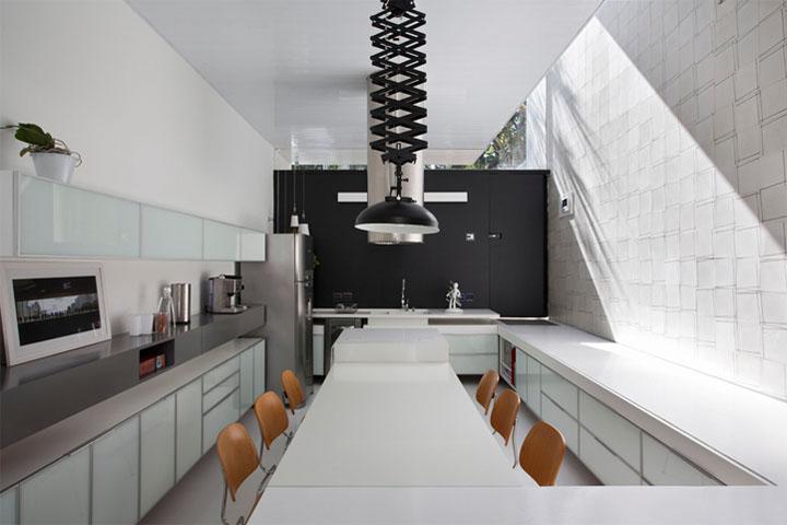 thiet-ke-noi-that-nha-pho-casa-4x30m-01 Casa 4x30m - Thiết kế nhà phố không gian mở tại Brazil