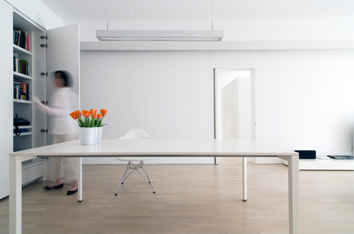 Phòng khách dài 11m là không gian thư giãn chính trong thiết kế nội thất căn hộ chung cư