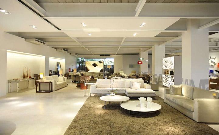 Không gian thông thoáng tạo cho khách hàng trãi nghiệm mua sắm thoải mái hơn