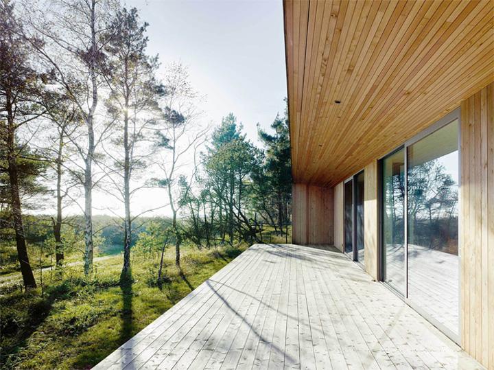 thiet-ke-nha-nghi-duong-mua-he-trong-rung-sommarhus-akenine-01 Sommarhus Akenine - Thiết kế nhà nghỉ dưỡng mùa hè trong rừng