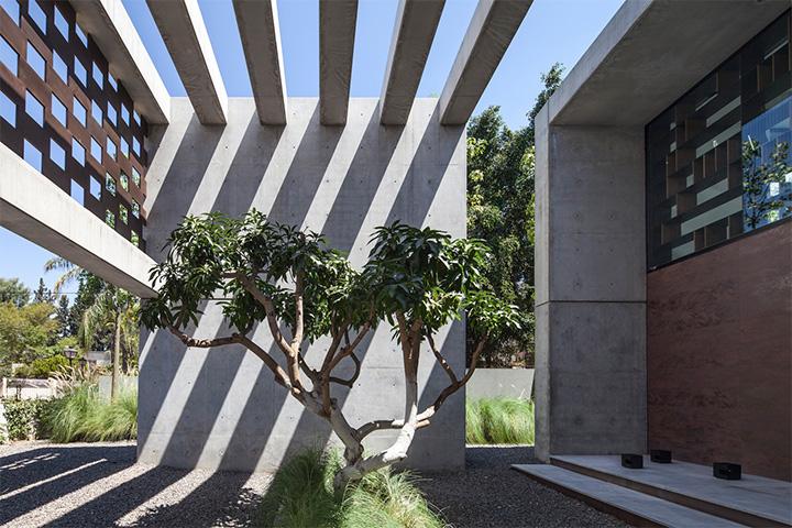 net-phong-khoang-voi-thep-trong-thiet-ke-biet-thu-san-vuon-hien-dai-01 Nét phóng khoáng với thép trong thiết kế biệt thự sân vườn hiện đại