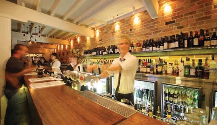 Thiết kế nội thất nhà hàng mang đến cảm giác gần gũi dễ chịu