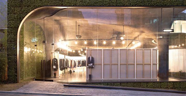 Thiết kế nội thất shop quần áo rộng lớn