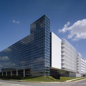 Tòa nhà văn phòng hiện đại Chesapeake Building 13