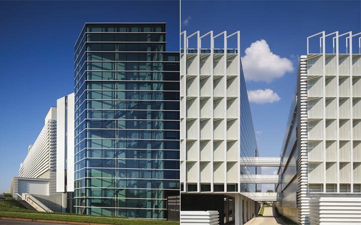 Toàn bộ khu đất nằm tại một góc có tầm nhìn rộng với địa hình dốc. Tòa nhà văn phòng có mặt bằng hình tam giác