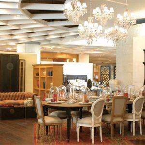 Thiết kế nội thất cửa hàng tại khu ăn uống ấm cúng theo phong cách Châu Âu