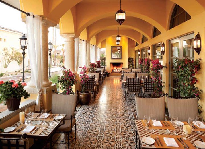 Khung cảnh lãng mạng trong phong cách thiết kế nhà hàng đẹp