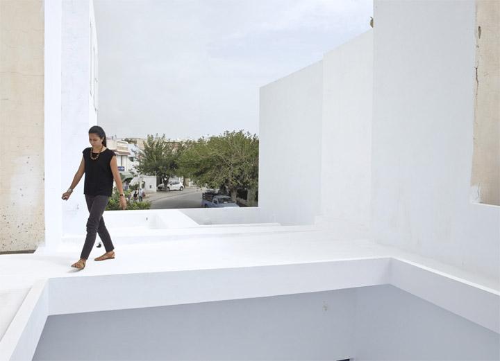 Dar Mim - Ngôi nhà màu trắng truyền thống ở Tunisia 9