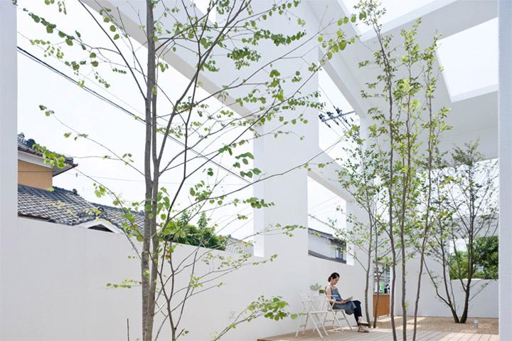 House N - Thiết kế nhà ở hiện đại có ba lớp vỏ lồng vào nhau 8