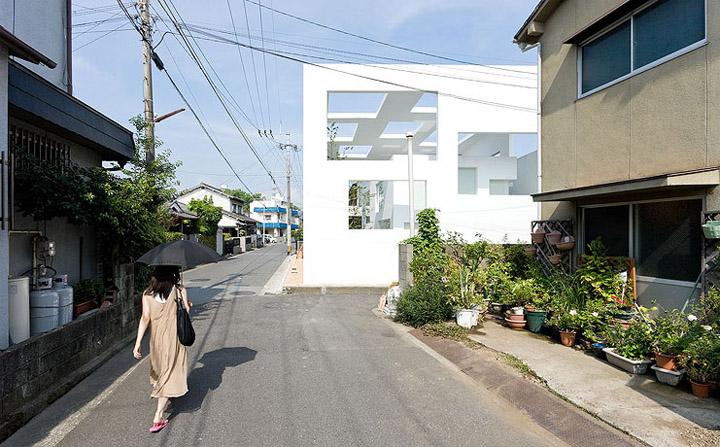 House N - Thiết kế nhà ở hiện đại có ba lớp vỏ lồng vào nhau 12