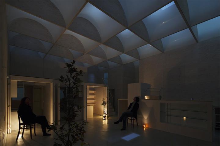 Daylight House - Thiết kế nhà lấy ánh sáng tự nhiên từ mái 10