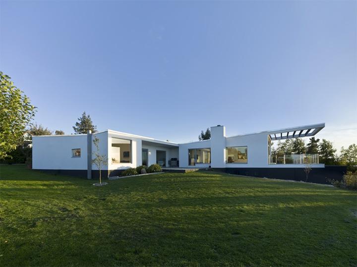 Villa Marstrand Wadt - Thiết kế nhà vườn 2 tầng đẹp hiện đại 2