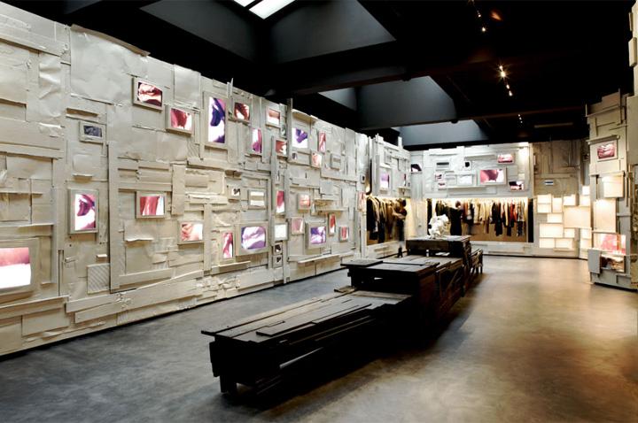 L'Eclaireur - Mẫu cửa hàng thời trang từ phế liệu 3