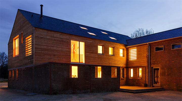 Timber Frame House - Thiết kế nhà 2 tầng kết hợp khung gỗ sồi 7