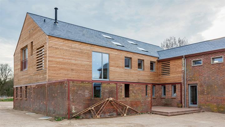 Timber Frame House - Thiết kế nhà 2 tầng kết hợp khung gỗ sồi 8