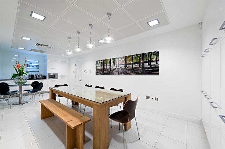 Thiết kế văn phòng cổ điển của một công ty vận tải ở London 11