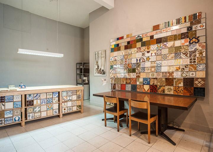 Vẻ đẹp mộc mạc tinh tế của cửa hàng gạch bông Cortico & Netos 5