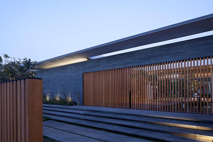 Float House - Mẫu thiết kế biệt thự hiện đại với không gian mở 2