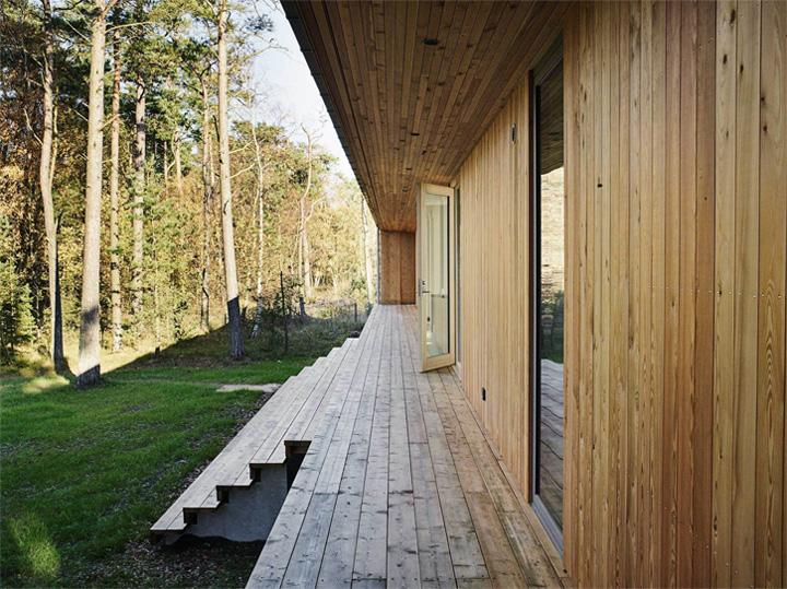 Sommarhus Akenine - Thiết kế nhà nghỉ dưỡng mùa hè trong rừng 3