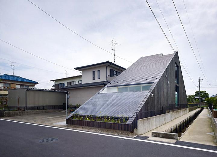 Ogaki House - Thiết kế nhà đẹp và độc đáo với hình dạng tam giác 2
