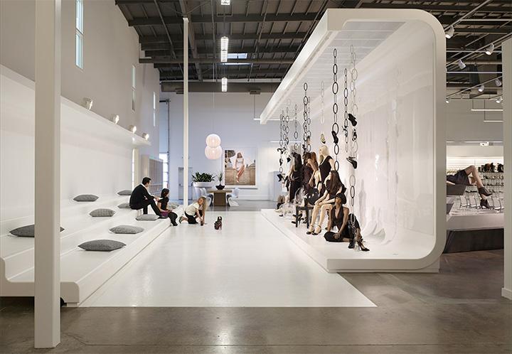 Topline Corporation - Thiết kế shop giày dép phong cách năng động 4