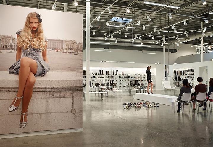 Topline Corporation - Thiết kế shop giày dép phong cách năng động 5