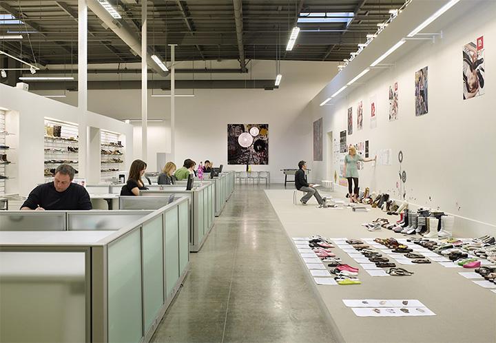 Topline Corporation - Thiết kế shop giày dép phong cách năng động 9