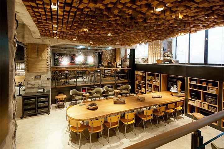 Phong cách Rustic trong thiết kế nội thất cửa hàng cafe Starbucks 6