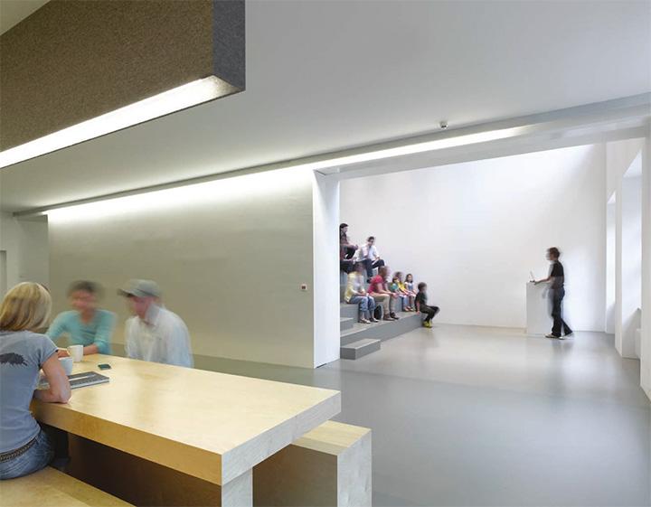 Jung von Matt - Thiết kế văn phòng làm việc hiện đại năng động 1