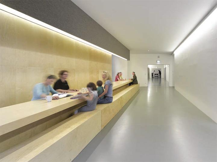 Jung von Matt - Thiết kế văn phòng làm việc hiện đại năng động 2