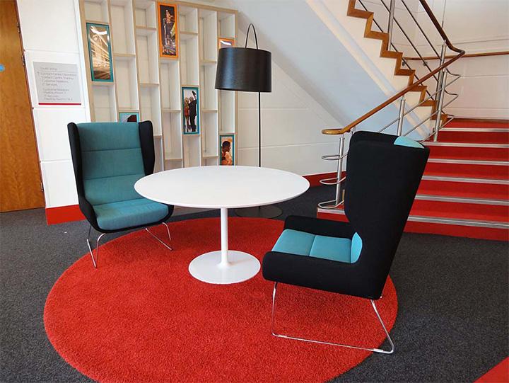 Đây là nơi bạn thư giãn cùng đồng nghiệp hoặc gặp gỡ các đối tác bàn công việc
