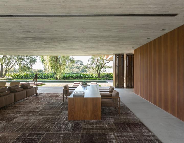 P House - Mẫu biệt thự sân vườn 3 tầng hiện đại rộng mở 10