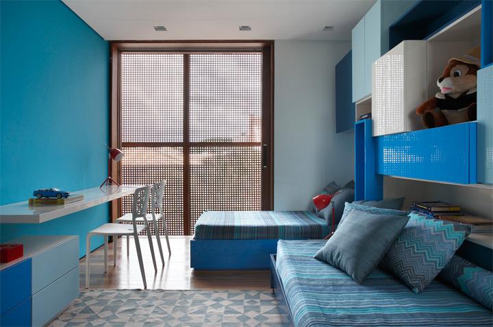 BT House - Ngôi nhà hình hộp kết hợp thiết kế lam gỗ che nắng 10