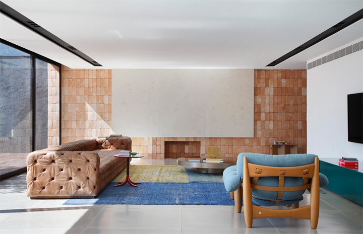 BT House - Ngôi nhà hình hộp kết hợp thiết kế lam gỗ che nắng 13