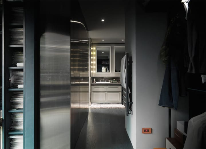 Gam màu lạnh sang trọng, tinh tế được lựa chọn là gam màu chủ đạo của căn hộ cho cặp đôi trẻ