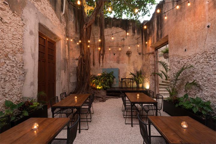 Cải tạo nhà hàng phong cách cổ từ công trình di tích lịch sử 1