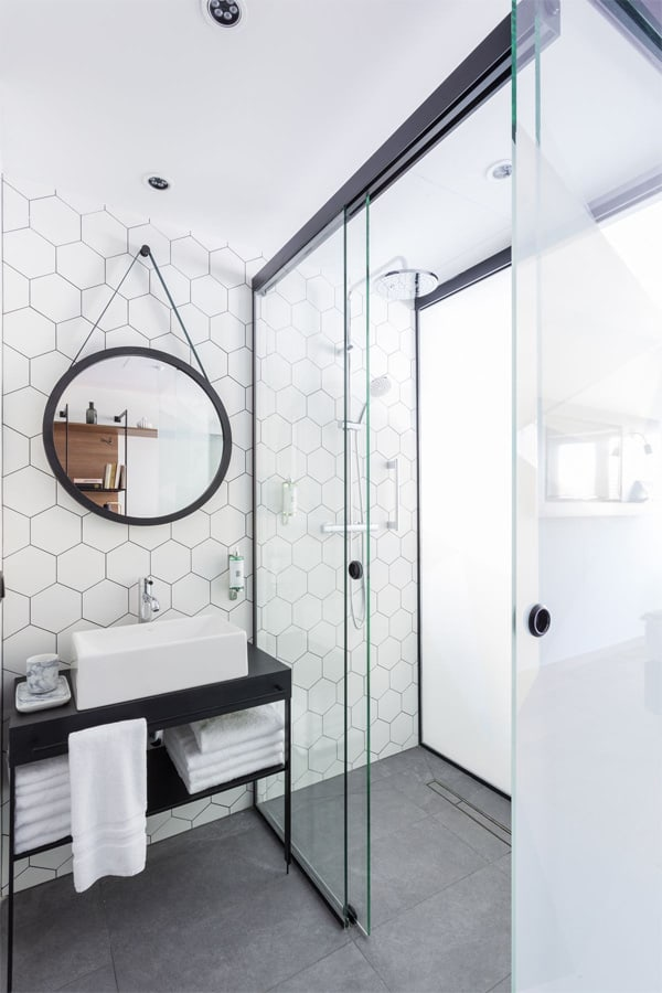 32 cách trang trí cho phòng tắm có diện tích nhỏ hẹp vô cùng hiệu quả 26