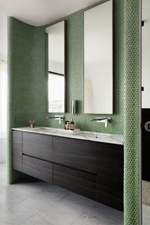 Nâng cấp không gian bằng những tông màu nổi bật cho phòng tắm 3
