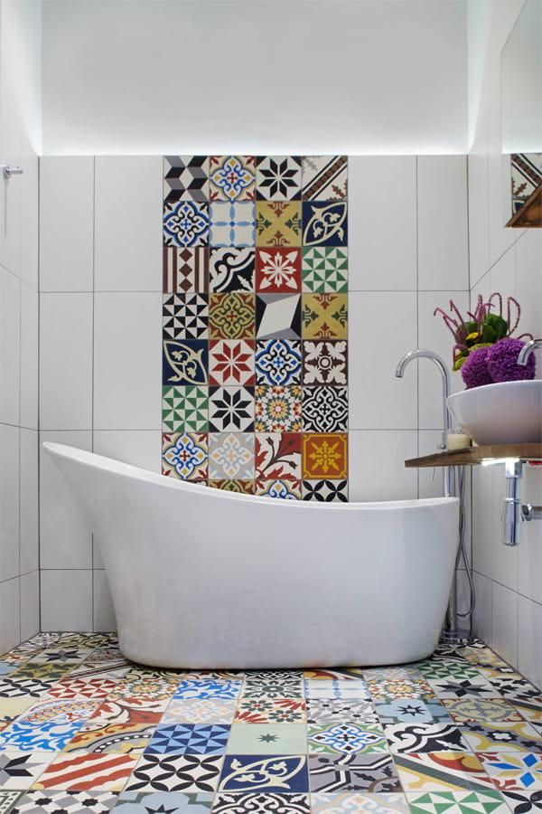 Nâng cấp không gian bằng những tông màu nổi bật cho phòng tắm 8