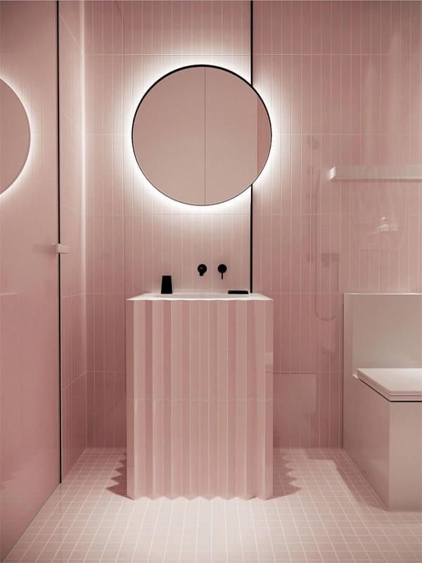 Nâng cấp không gian bằng những tông màu nổi bật cho phòng tắm 13