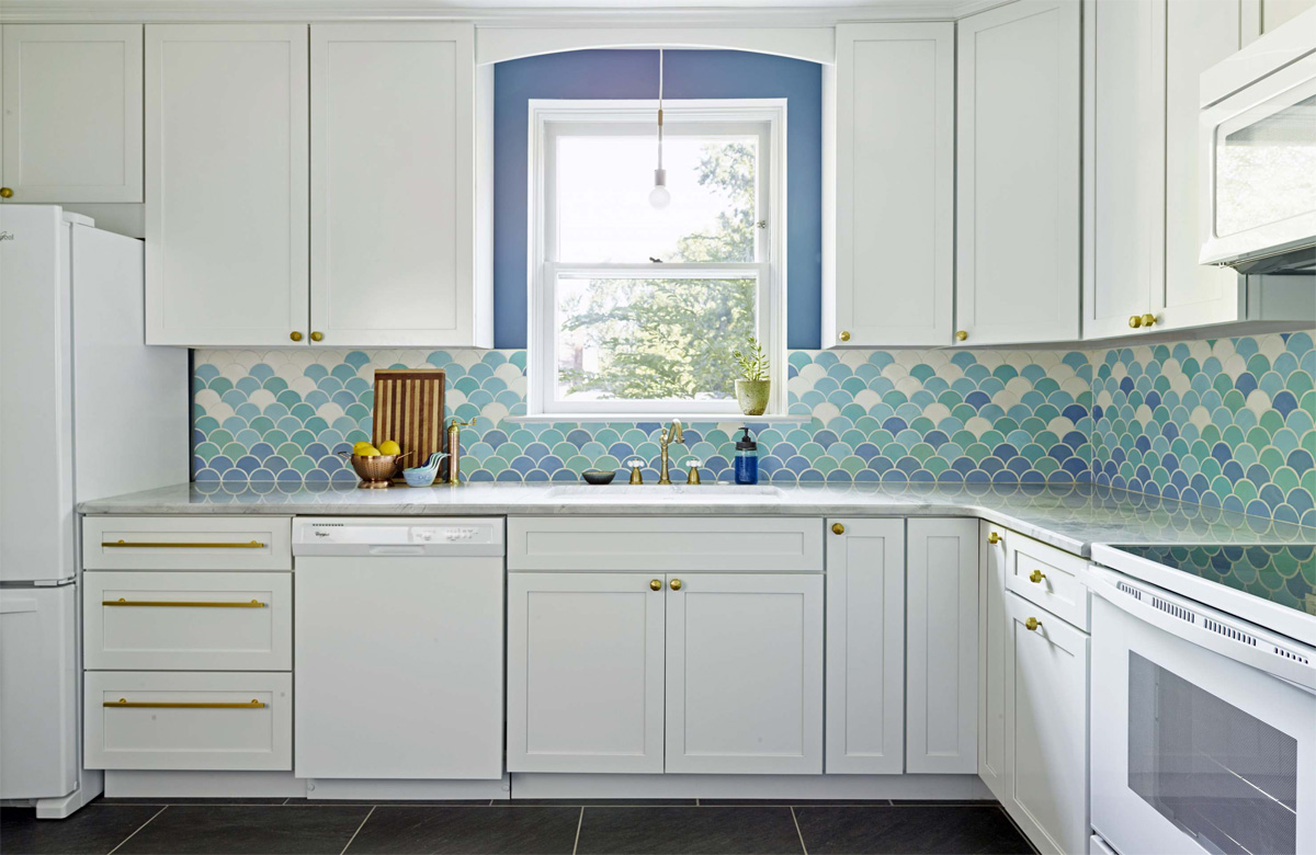 17 mẫu bếp đẹp phong cách hiện đại với tông màu trắng chủ đạo 1