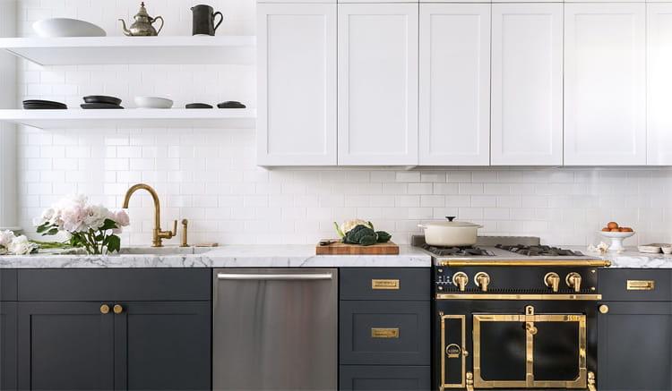 17 mẫu bếp đẹp phong cách hiện đại với tông màu trắng chủ đạo 4