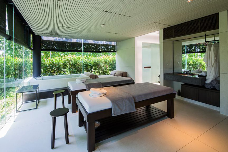 Giường massage theo phong cách tối giản