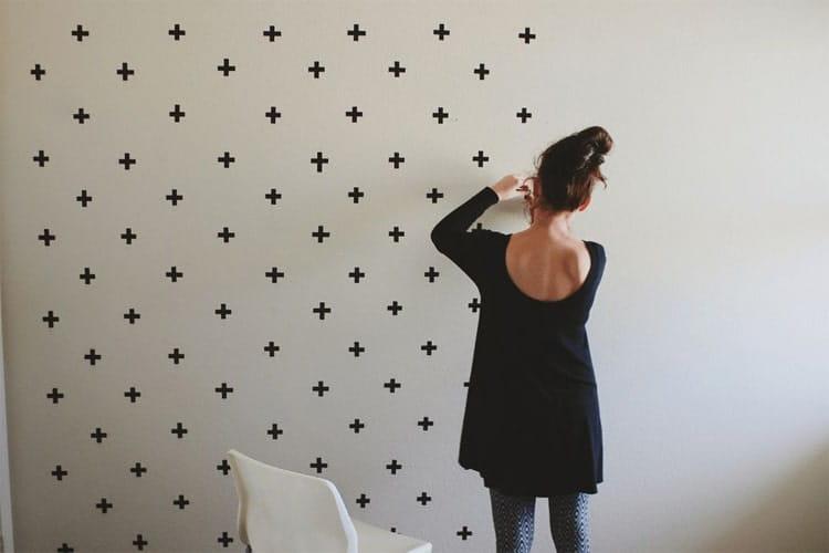 Các thao tác để trang trí tường bằng băng dính Washi là cực kỳ dễ dàng