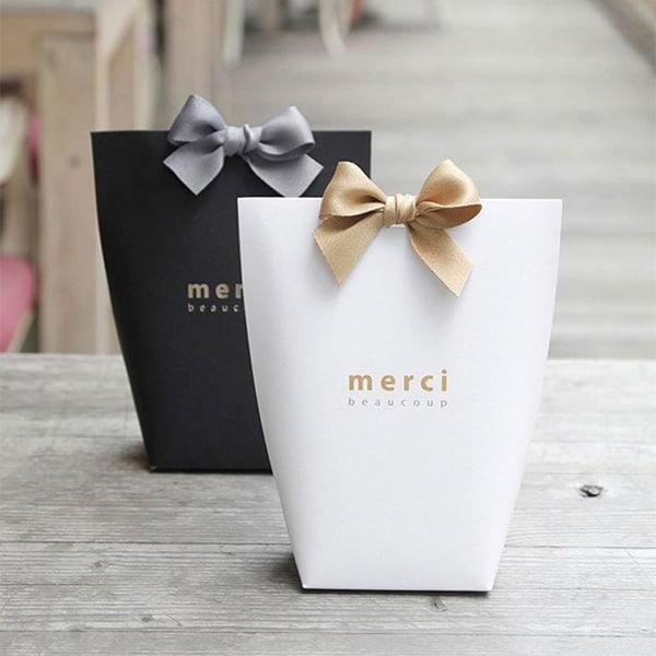 Khách hàng rất thích được khuyến mãi và tặng quà sau khi sử dụng dịch vụ tại spa