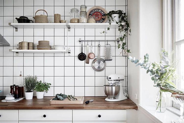 Bạn nên thay đổi đường ron gạch tường nhà bếp sau một thời gian dài sử dụng