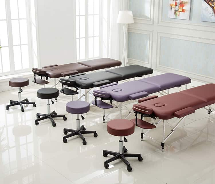 Phòng spa chăm sóc da sử dụng mẫu giường spa gấp gọn